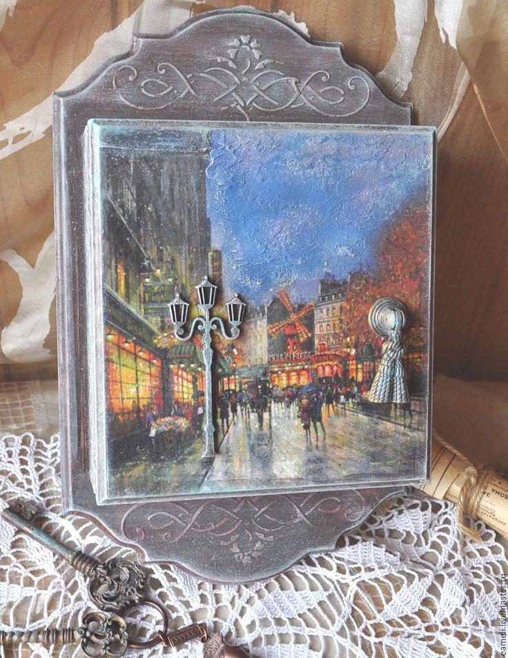 """Купить Ключница """" Мулен Руж"""" - коричневый, Париж, мулен руж, ночной город"""