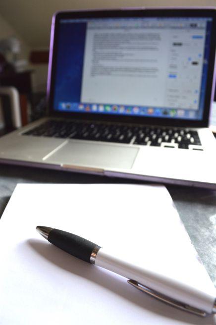 """""""Ecrire une nouvelle et la publier"""": un nouvel article sur le thème #Ecrireplus https://milleetunprojets.wordpress.com/2016/04/03/ecrire-une-nouvelle-et-la-publier/"""