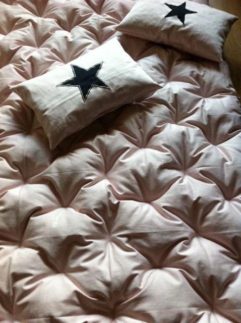 17 meilleures id es propos de tapis de sieste de b b sur pinterest couture pour b b. Black Bedroom Furniture Sets. Home Design Ideas