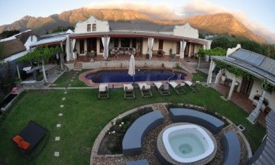 Situated on the Golden Mile of Franschhoek, located between 2 of the oldest streets in the village and boasting some of the best views, this property circa 1879 is a must view if you are looking for charm, style and character