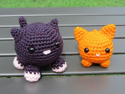 I was looking for simple beginner Amigurumi projects for a crochet class I am teaching, and loved the Roly Poly Cat pattern by Nina Shimizu. When I created my example, however, it seemed a little larger/more complex than I wanted for my class's first amigurumi project; thus I've created this smaller modified pattern. Please use in it any way you like!