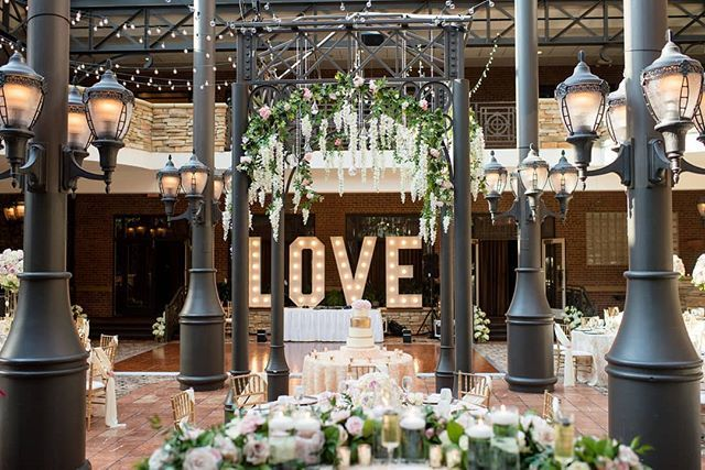 Daydreaming About This Real Wedding Reception Rentmywedding Magazine Rentmywedding Planner Sparkling Mo In 2020 Event Inspiration Event Planning Table Decorations