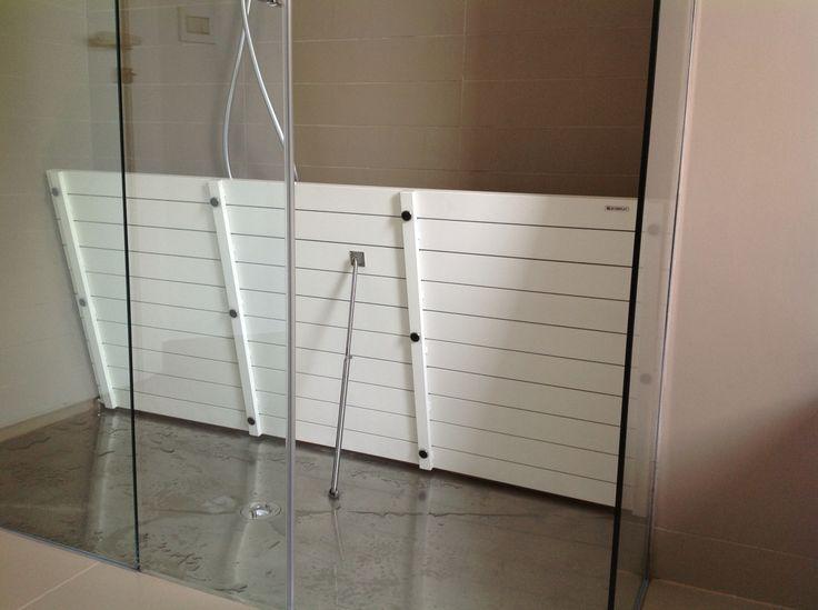 Piatto doccia in #acciaio con #pedana #dogata in #alluminiobianco By #SILVERPLAT