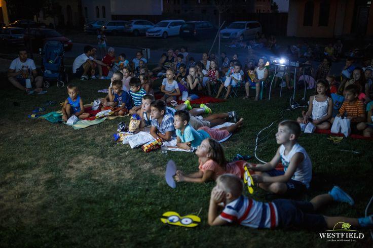 #outdoormovie #westfield #minons #kids #happiness
