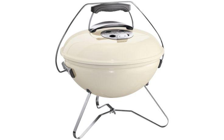 Chic pour le pique-nique champêtre, ce petit barbecue portatif très pratique à 89€99 vu dans le catalogue Boulanger sur legrandcatalogue.fr