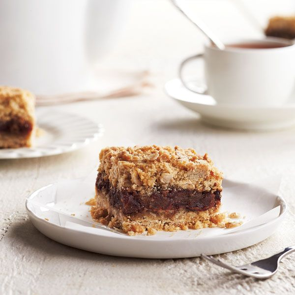 This delicious date squares recipe is a simple blend of brown sugar, oats, butter and sweet dates – a comforting treat for a cozy winter afternoon.