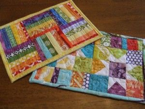 Quilted mug rugs