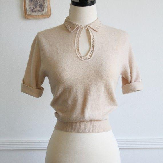 1940's cream keyhole sweater blouse