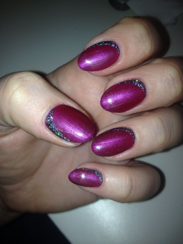 Bio Sculpture Gel 2018 passion plum with glitter nail art.
