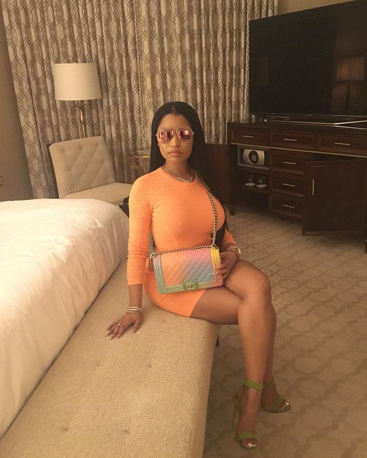 "345k Likes, 19.8k Comments - Nicki Minaj (@nickiminaj) on Instagram: ""#LaterGram #MakeLoveVideoShoot ❤️ #Top10RapSongUSiTunes """
