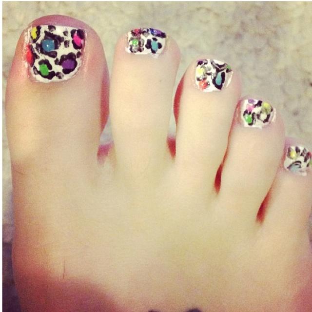 Leopard print toe nail art (first attempt)