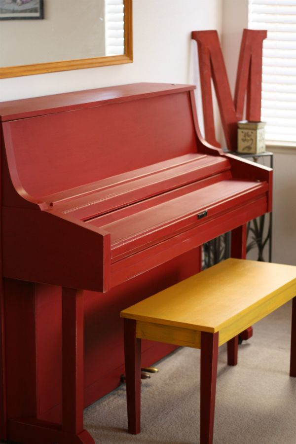 Colleen's awesome painted piano!!