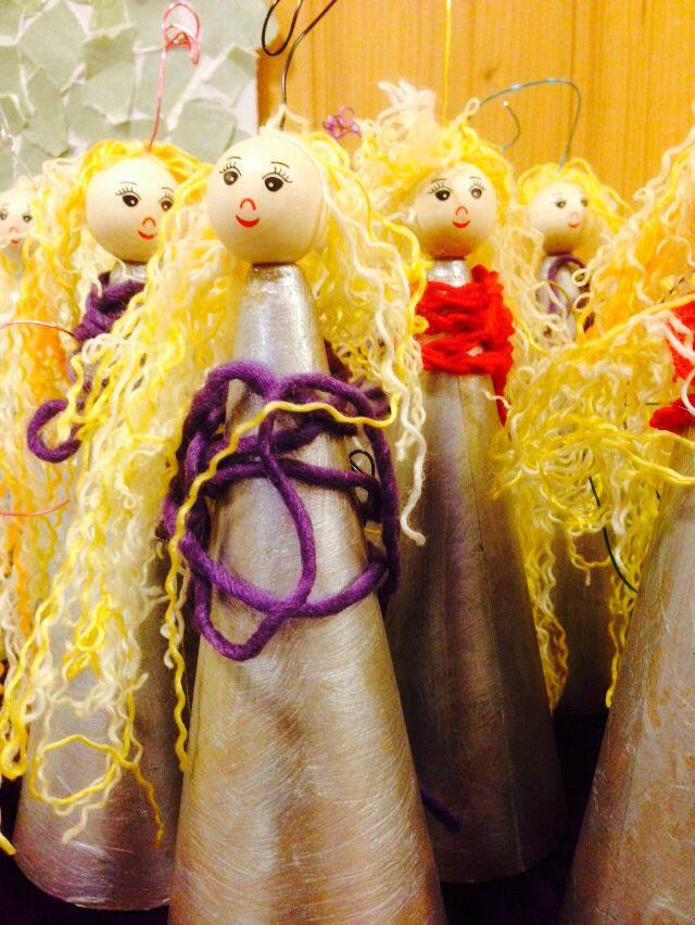 Engler laget av barnehagebarn