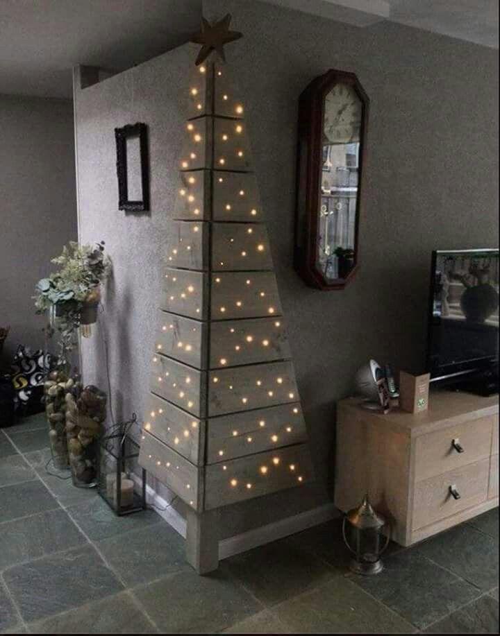 Palet corner Christmas tree