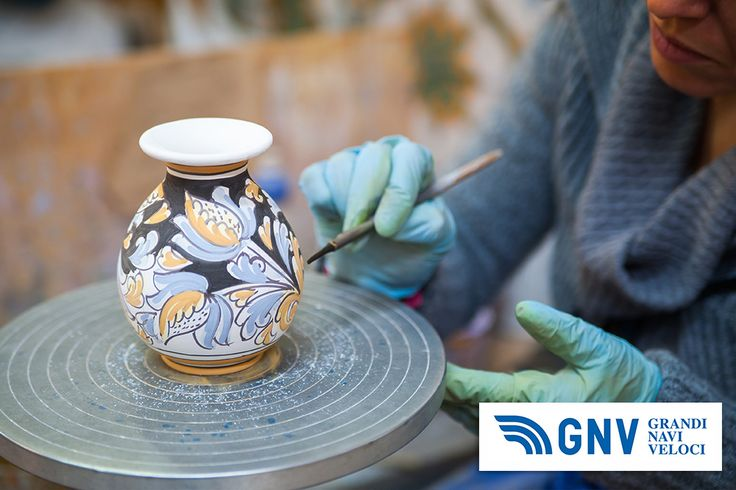 View of a #ceramic #vase from #Caltagirone being #decorated by a #local #artisan. Discover #GNV routes in our website:www.gnv.it/en/