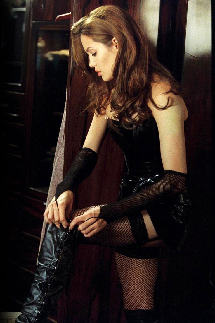Angelina Jolie as Jane Smith.