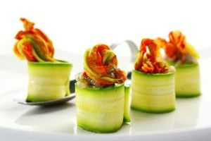 Chef Yourself - Zucchini rolls and shrimps tartare