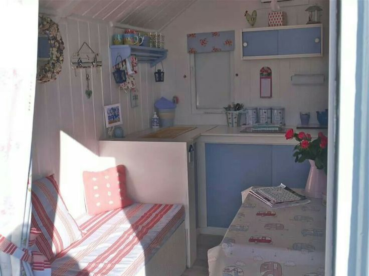 17 best images about beach hut interior ideas on pinterest for Beach hut interior ideas