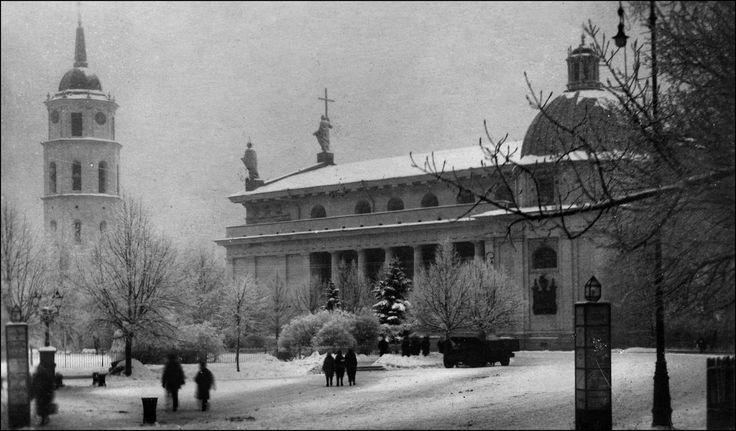 Maištinga siela: Šios dienos nuotrauka: Mėsinių gatvė (Vinius), Katedros aikštė (Vinius) - autorius Vaclovas Žylinskas / Wacław Żyliński