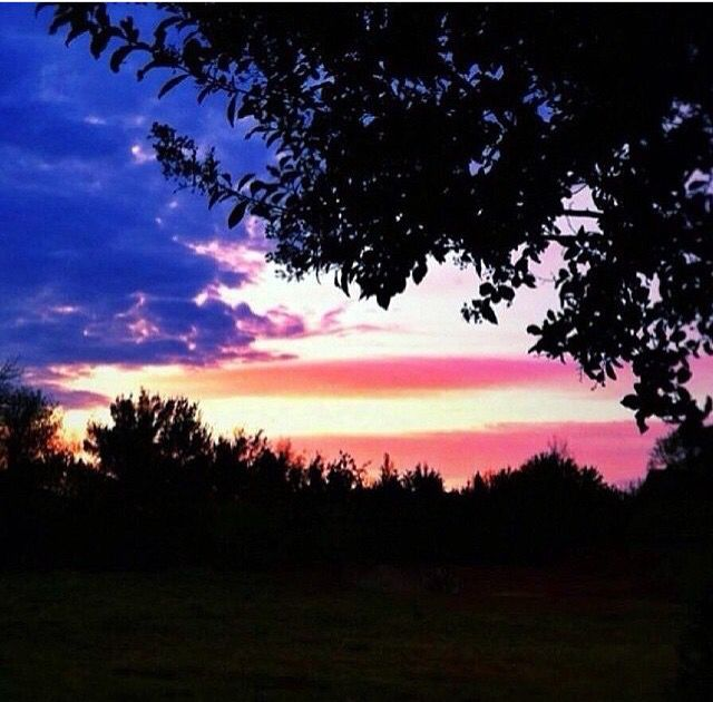 Wow Amazing American flag sunset.. Happy 4th of July everyone! :)