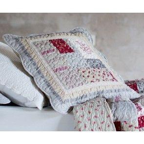 Copricuscino patchwork con profilo crochet
