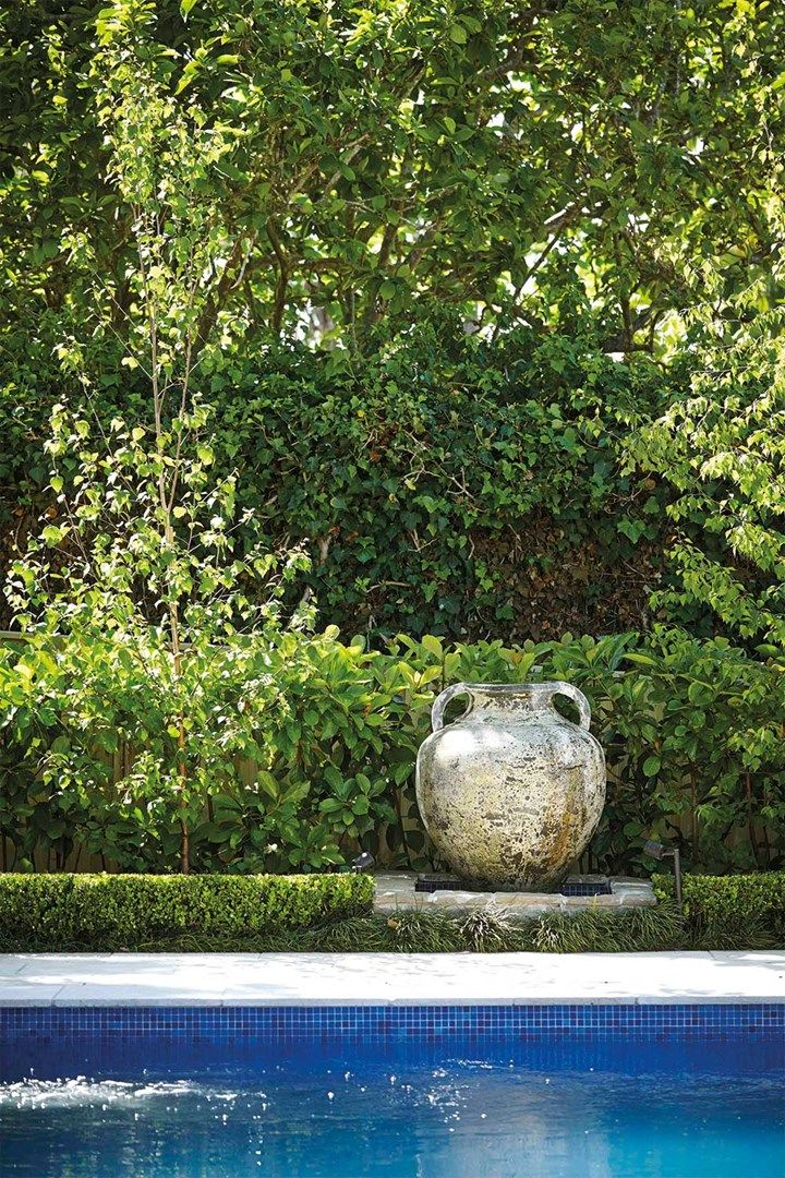 Trending: A beginner's guide to the perfect garden sculpture | Home Beautiful Magazine Australia