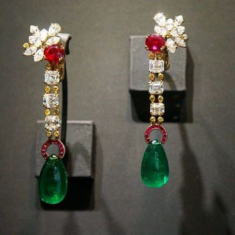 #alexandrereza #beautiful #gold #emerald #ruby #dismonds #citrine  #earrings  #gem #gemstone #bijoux #gold #beauty #instamood #instagood #life #artwork #fantastic #luxuryjewellry #luxury #luxurylife
