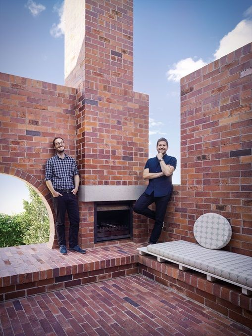 DOUBLE COURTYARD HOUSE Vokes and Peters use PGH Bricks & Pavers. A unique blend of five different bricks, yielding a surface quality and nuanced colour palette similar to that of a recycled brick.