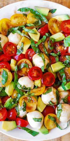 Tomato Basil Avocado Mozzarella Salad with Balsamic Dressing – you'll love this refreshing, healthy, Mediterranean style salad. Made with fresh ingredients