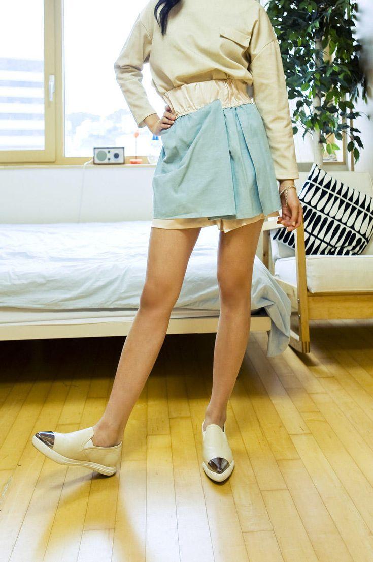 2 color flare mini skirt from Kakuu Basic. Saved to Kakuu Basic Skirts. Shop more products from Kakuu Basic on Wanelo.