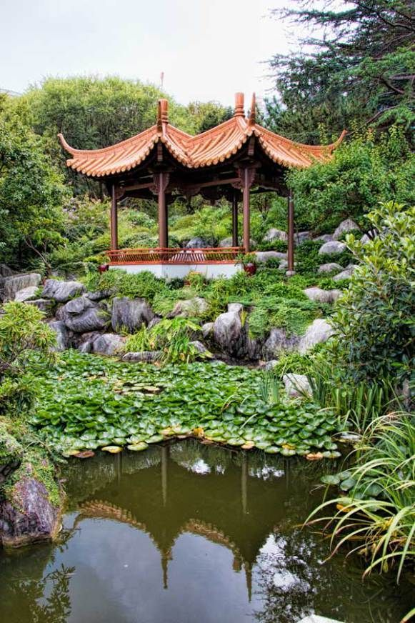 Self guided tour of the Chinese Friendship Garden in Sydney, Australia