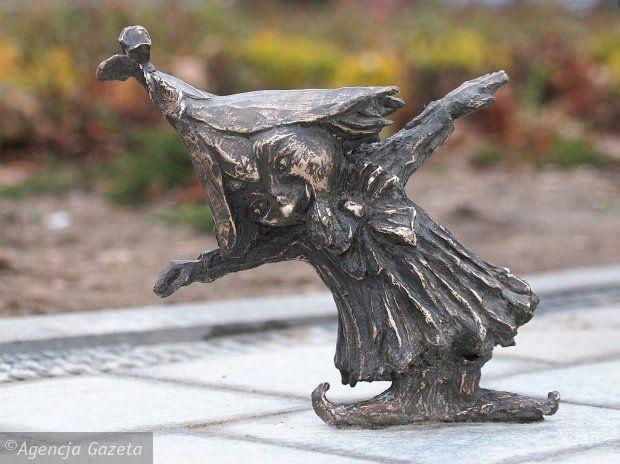 A gnome in Suwałki, Poland  Zdjęcie numer 4 w galerii - 30 cm, a ile radości! Rozglądaj się w Suwałkach. Krasnoludki opanowały miasto