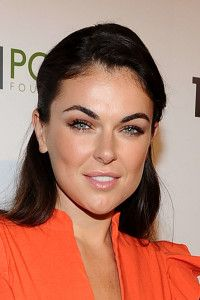 Serinda Swan Net Worth, Annual Income, Monthly Income, Weekly Income, and Daily Income - http://www.celebfinancialwealth.com/serinda-swan-net-worth-annual-income-monthly-income-weekly-income-and-daily-income/