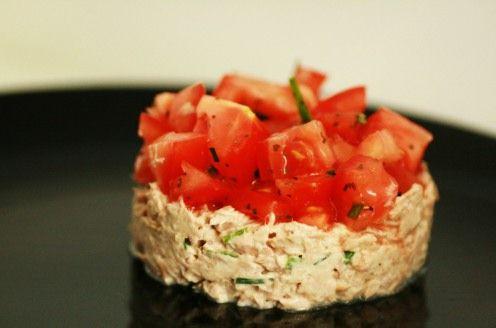 Tartare de tomates aux rillettes de thon