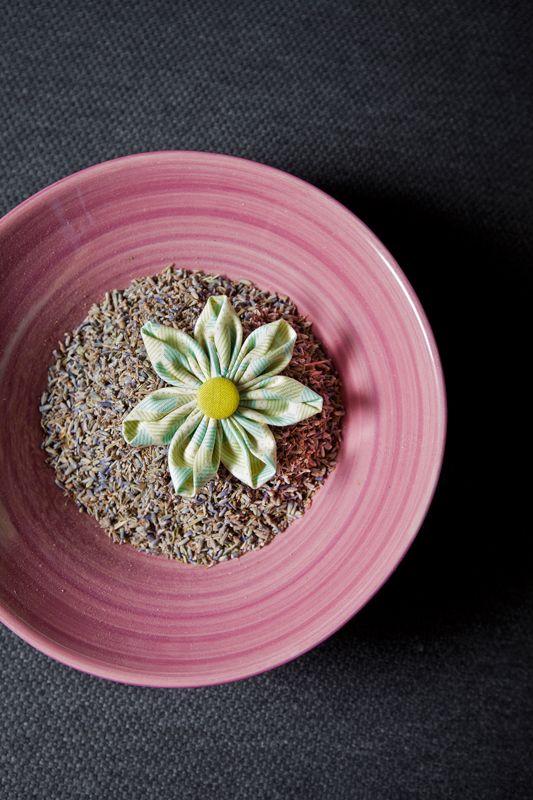 Stoff-Blumen: Kanzashi-Blüten nähen