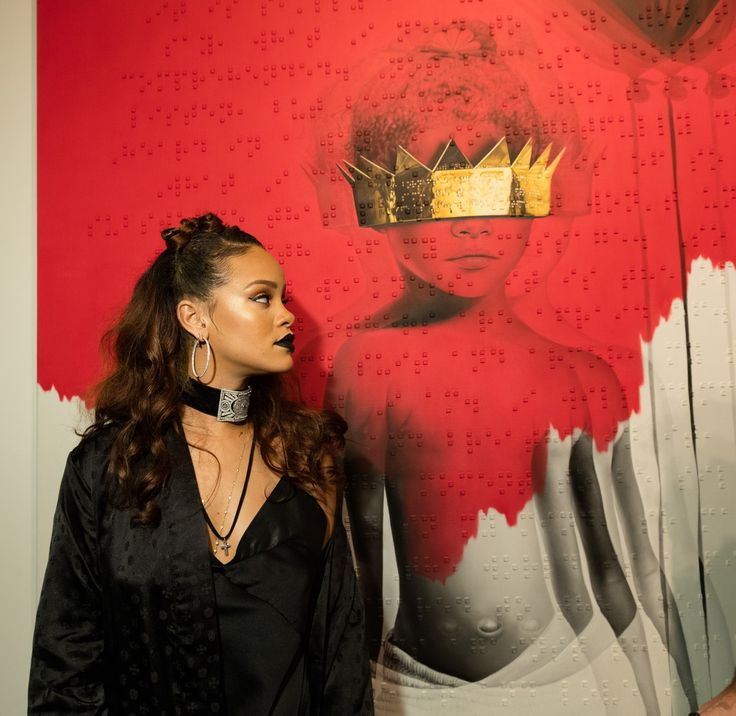 """hellyeahrihannafenty: """""""" Rihanna at her 8th album artwork reveal for """"ANTI"""" at MAMA Gallery in LA """" """""""