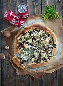 Итальянская тонкая пицца с грибами и козьим сыром рецепт с пошаговыми фото. Как приготовить пиццу как в пицерии у себя на кухне. Тесто для тонкой пиццы