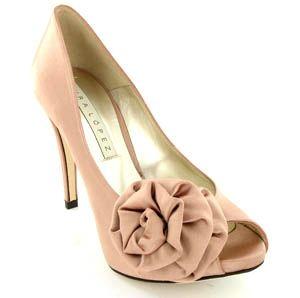 sapatos cor de pêssego- opção para sair do comum sem ousar demais