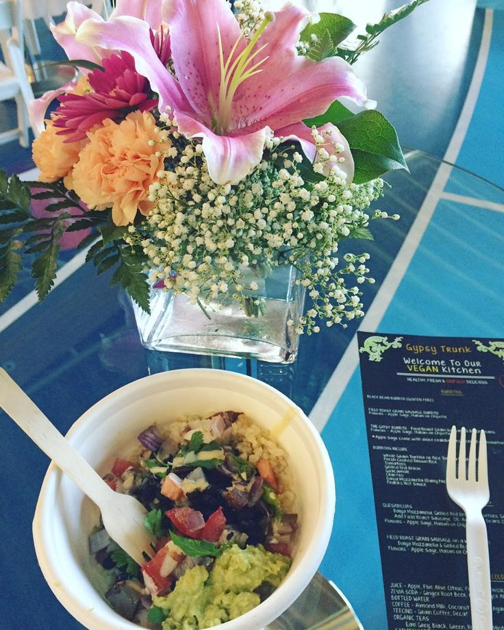 Cool Richmond 2016: sustainable solutions event at the Olympic oval such nice atmosphere with plenty of great healthy food & drinks  perfect for an environmental kid & foodie like myself   I cannot stress enough that garbage sorting is EXTREMELY important!!! We produce garbage & so it's our responsibility to make sure where it goes cheers! #CoolRichmond #sustainable #sustainability #CityOfRichmond #foodforfoodie  #vcbfood #gastropostvan #gastropost #604eats #foodpost #foodgasm #instafood…