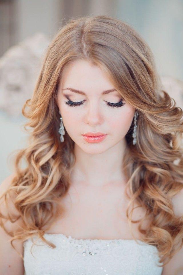 2014-Hochzeit Make-up in Rosé-Tönen-Lipsgloss offene Haare-gelockt