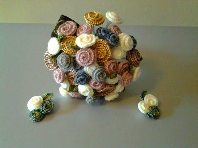 como hacer flores pequeñas en tejido - Buscar con Google