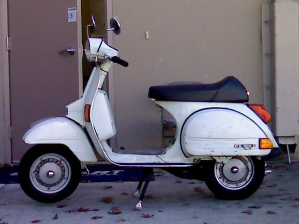 17 best images about scooters on pinterest vintage vespa for Garage scooter paris