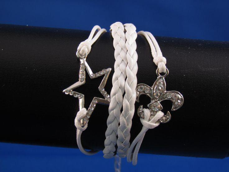 Armband wit Artikelnummer: 0674 Prijs: € 4,95
