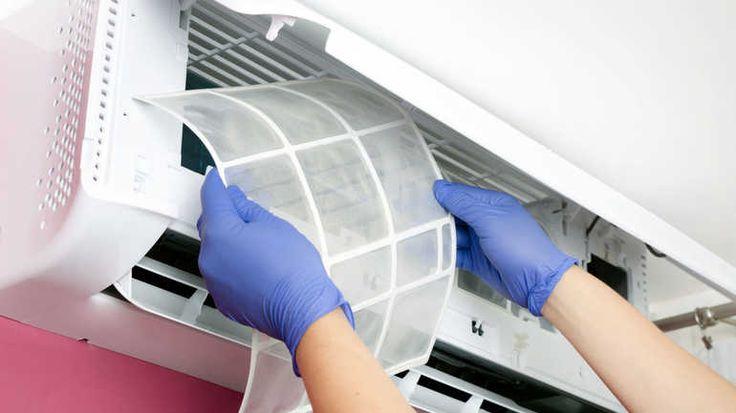 Der Luftfilter einer Klimaanlage lässt sich meist problemlos ausbauen und reinigen.