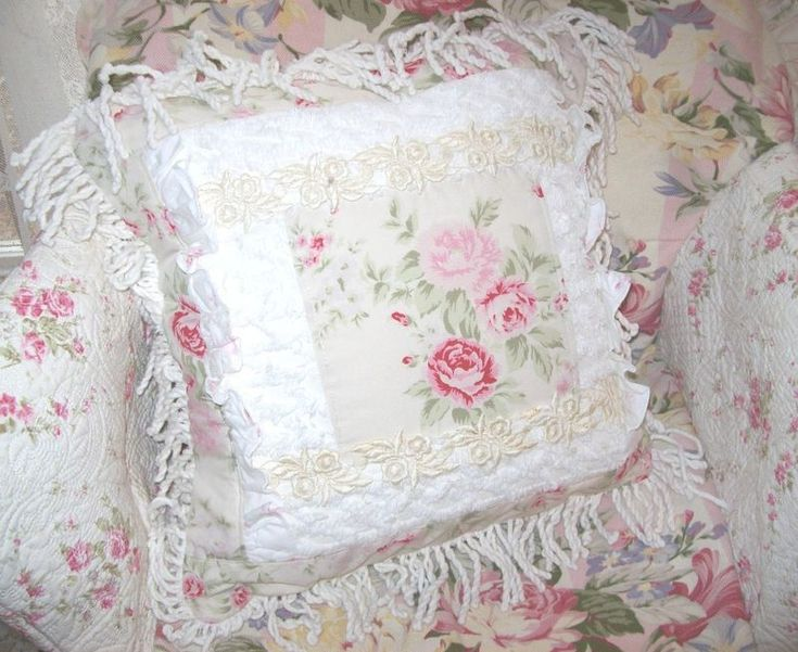1000+ images about Pretty pillows on Pinterest Lace pillows, Pillows and Shabby chic pillows