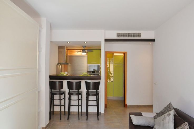 Old town, Palma de Mallorca: Bright apartment in the heart of the Old Town