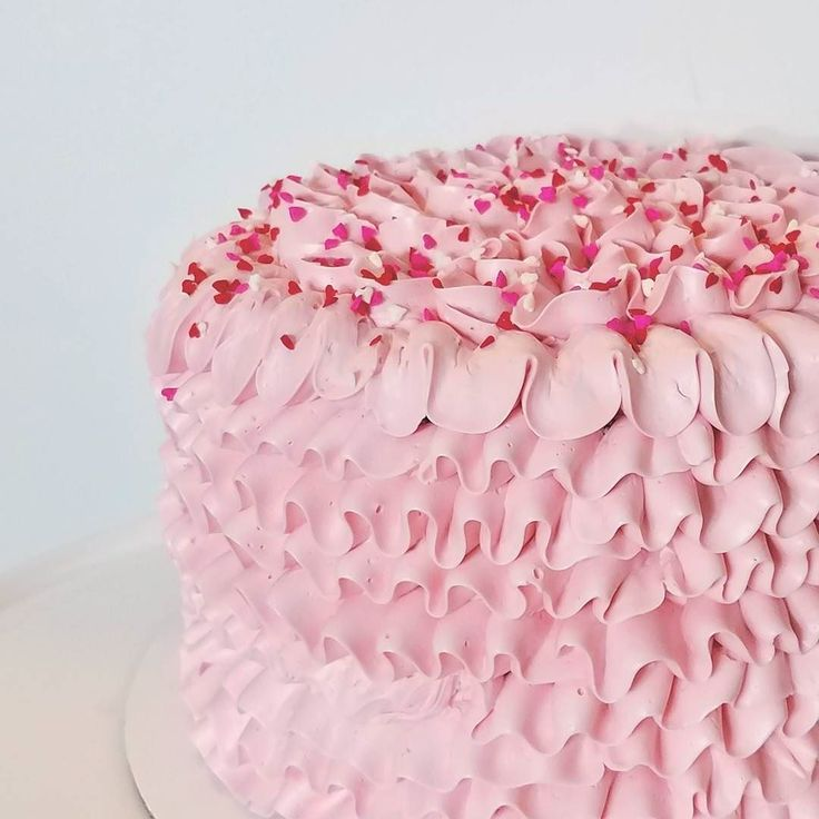 I have a few ready to pick up Valentine's Day cakes! Available for pickup tonight and tomorrow  They are my chocolate Fleur de Sel - Chocolate cake sea salted caramel chocolate ganache vanilla Swiss buttercream ruffle and mini heart sprinkles  Pickup in South Salt Lake $38 each. DM me for additional details