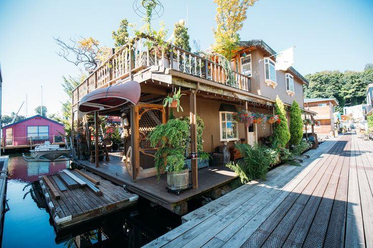 Photos: Inside a Lake Union, Seattle 2-story floating, luxurious houseboat!  So neat and so much roomier on the inside than what it looks like on the outside.