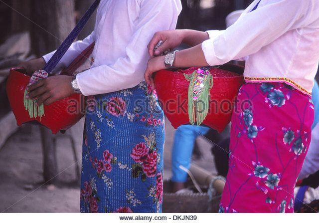 china-dai-women-in-xishuangbanna-dai-autonomous-prefecture-yunnan-dkjn39.jpg (640×447)