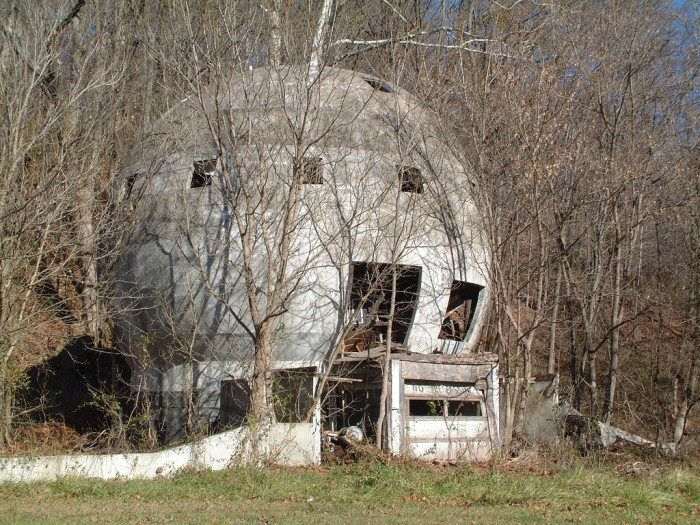 The Intriguing Stories Behind 7 Unusual Ohio Houses